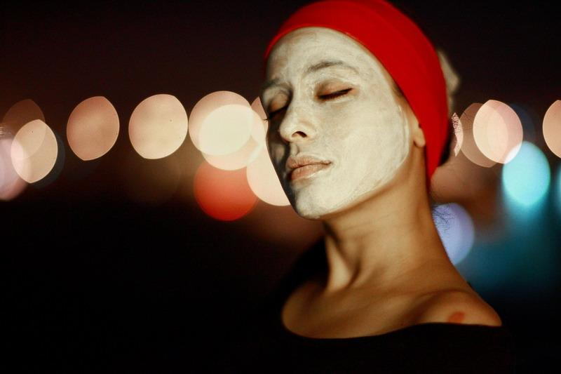 Achieving the Holiday Glow: Facemasks & Exfoliation